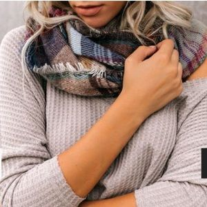 Accessories - NWT PLAID INFINITY SCARF